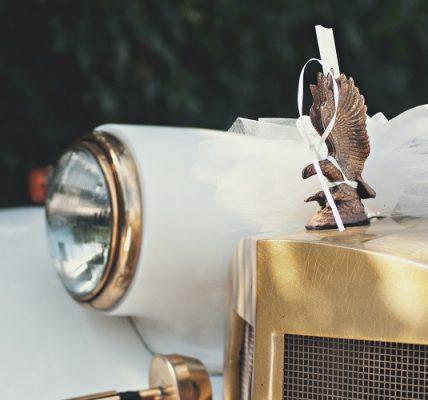 Decoración para el coche de bodas
