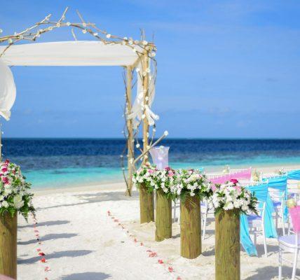 ideas de decoración para una ceremonia al aire libre